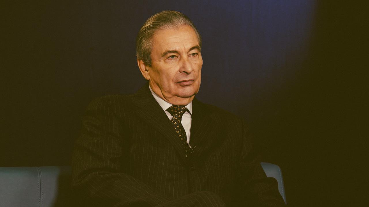 Кинелев